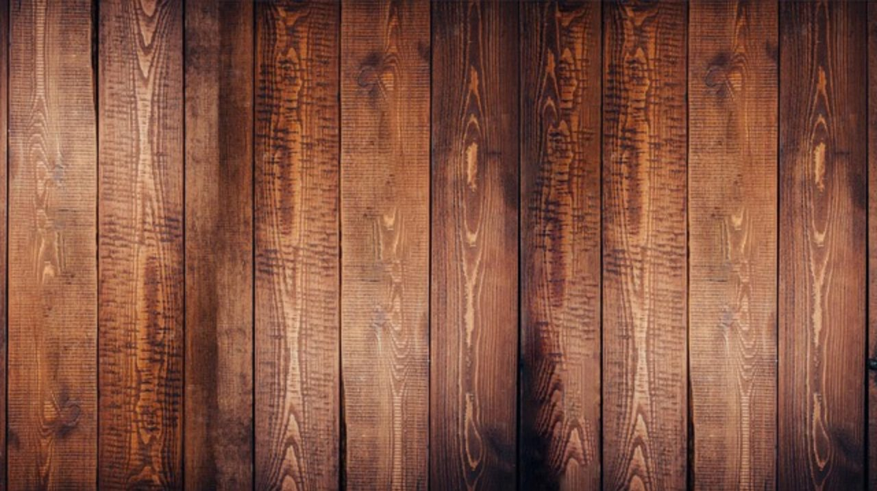 Modne podłogi drewniane – trendy we współczesnym designie pomieszczeń